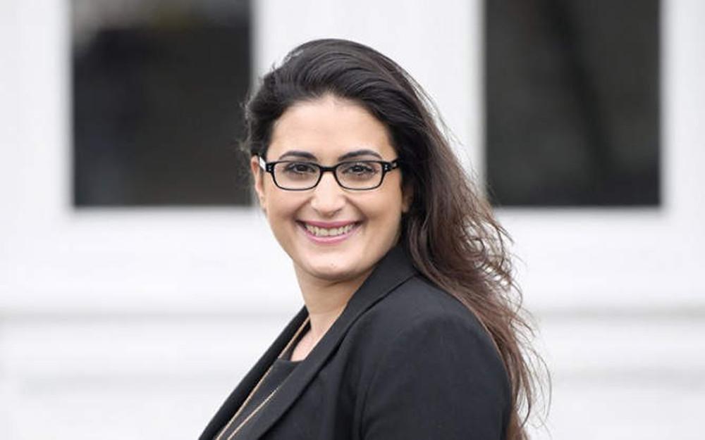 Portträtfoto Rechtsanwältin und Fachanwältin für Verkehrsrecht Izmirli