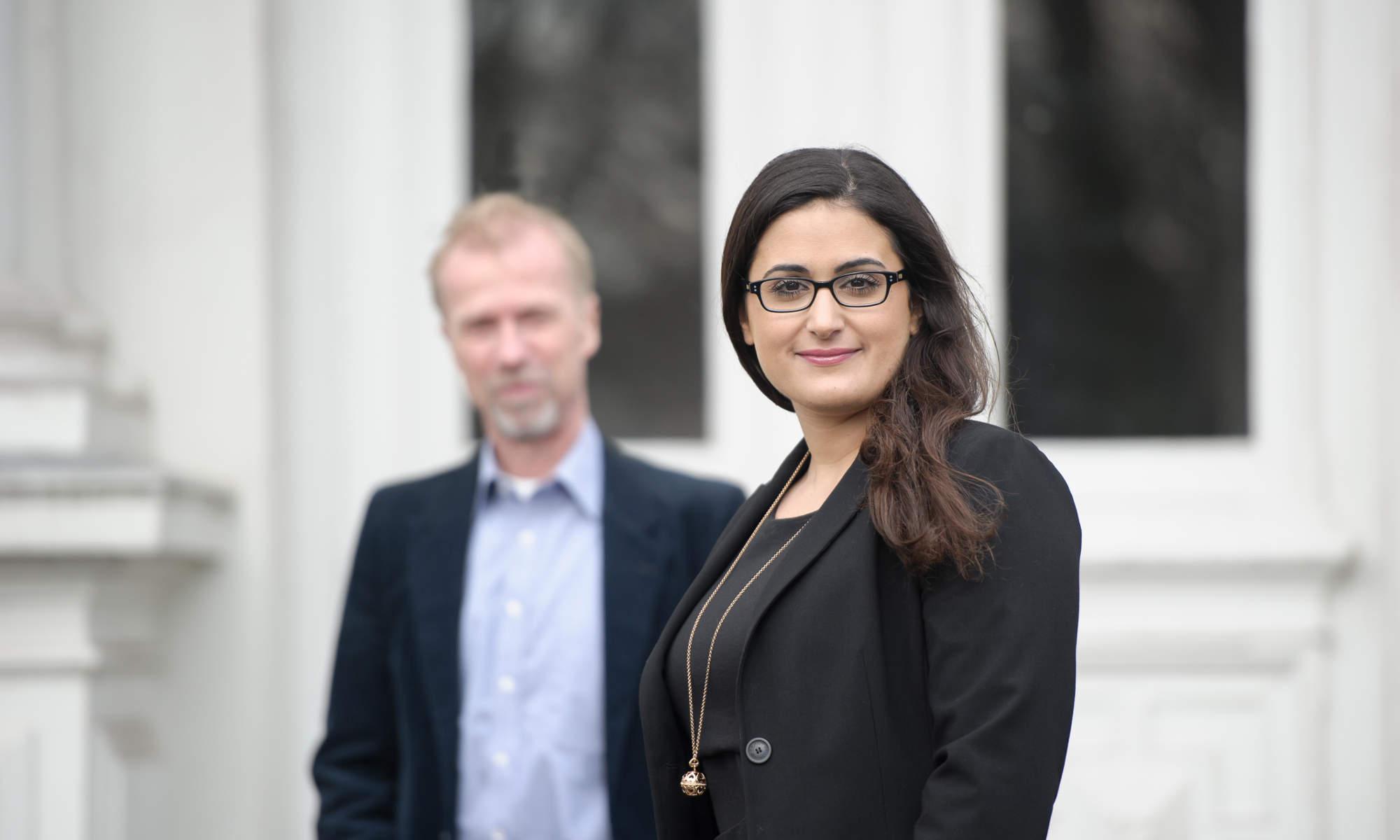 Rechtsanwälte für Verkehrsrecht Hamburg - im Vordergrund Rechtsanwältin Izmirli